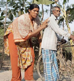 world tallest women in hindi